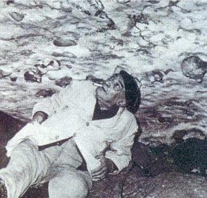 L'abbé Breuil dans la grotte de Rouffignac