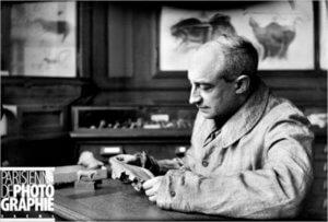 Henri Breuil dans son cabinet de l'Institut de paléontologie humaine à Paris © Jacques Boyer / Roger Voillet